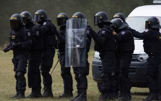 Федеральный закон о полиции: статья 13 с последними изменениями, права сотрудников, личный досмотр и доставление граждан, экспертиза